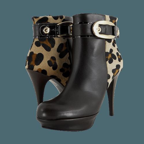 Gianna Kazakou Troks low boots