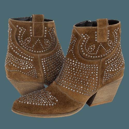 Gianna Kazakou Tannis low boots