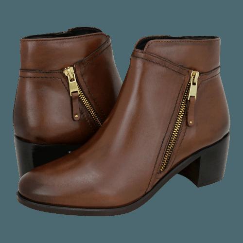Gianna Kazakou Teyana low boots